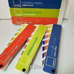 Guides De Formule De Couleur Pantone À Revêtement Solide, À Revêtement Solide Et À Matte Solide