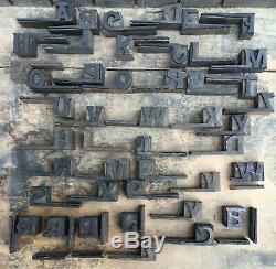 Lot De 46 Lettres En Bloc De Type 3/4 Vintage En Bois D'époque, Rare Et Rare