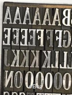Type De Typographie Condensée Extra Forte De 84 Points Cheltenham