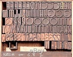 Typographie En Bois
